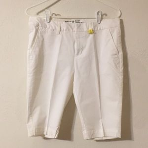 Women's size 4 white chino shorts